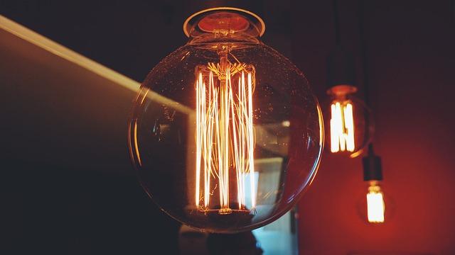 velký kulovitý zdroj světla
